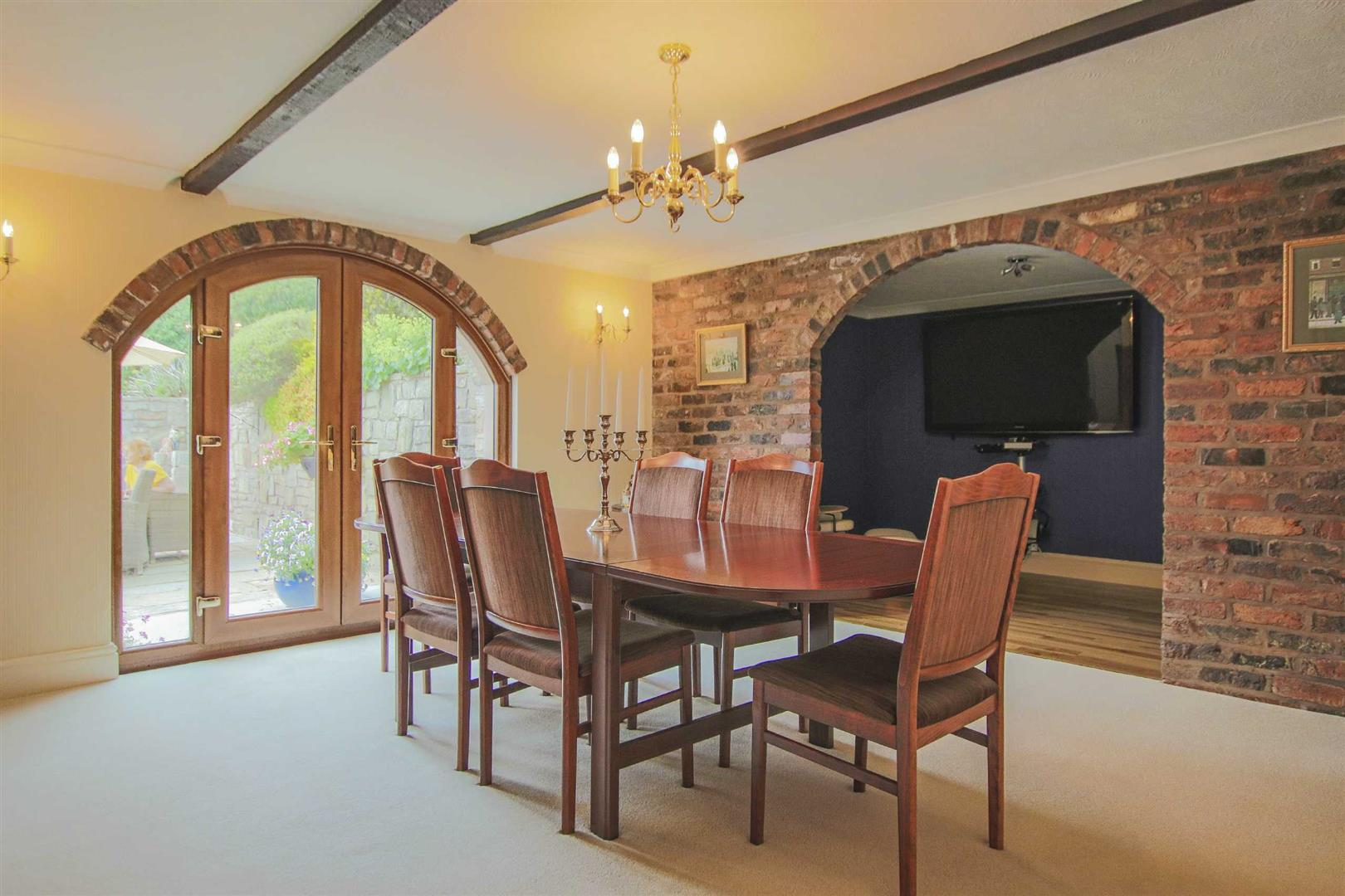 4 Bedroom Barn Conversion For Sale - p033135_46.jpg
